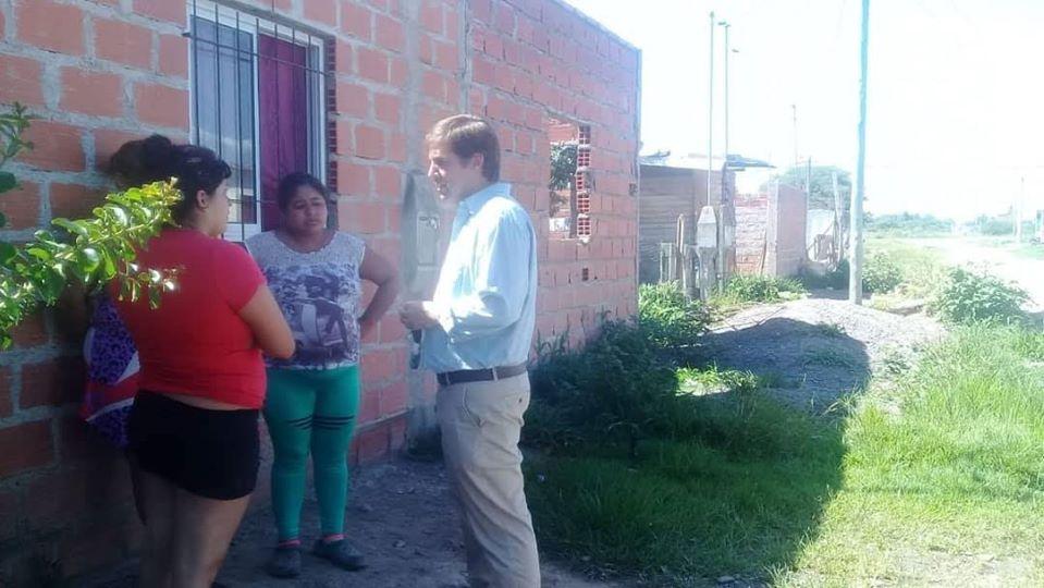 Operativo de asistencia: Comenzó la entrega de materiales a familias de la zona sur