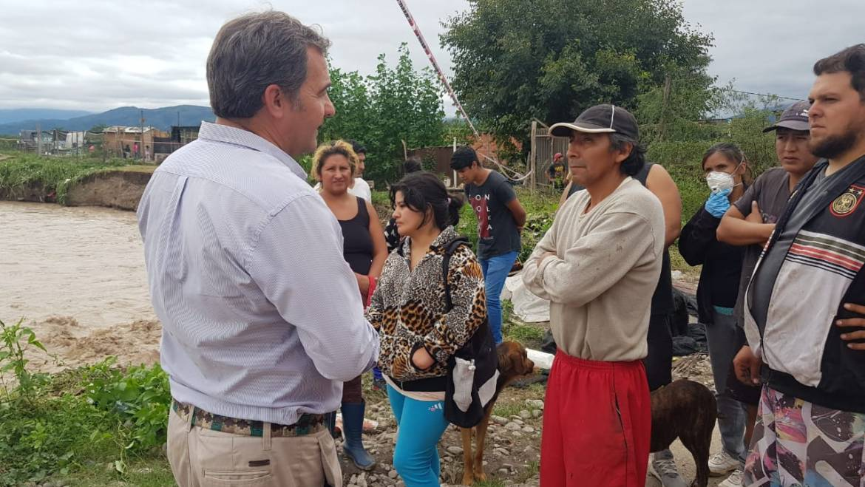 La Municipalidad asistió a familias de Los Paraísos y Juan Bautista
