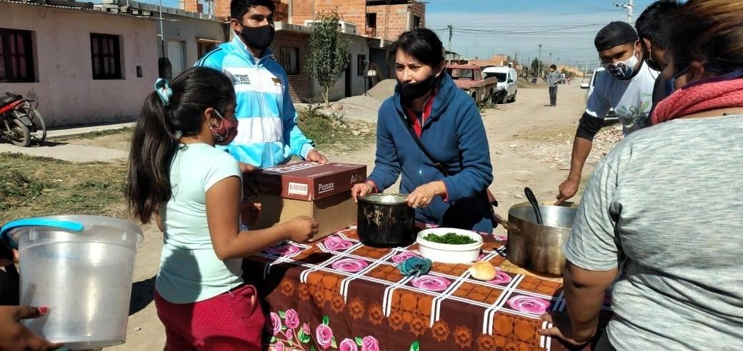 Jornada de asistencia alimentaria en Nueva Esperanza