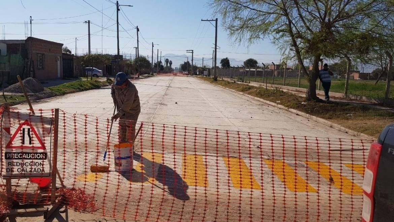 Iniciaron las tareas de señalización vial y arbolado en la avenida Ara San Juan