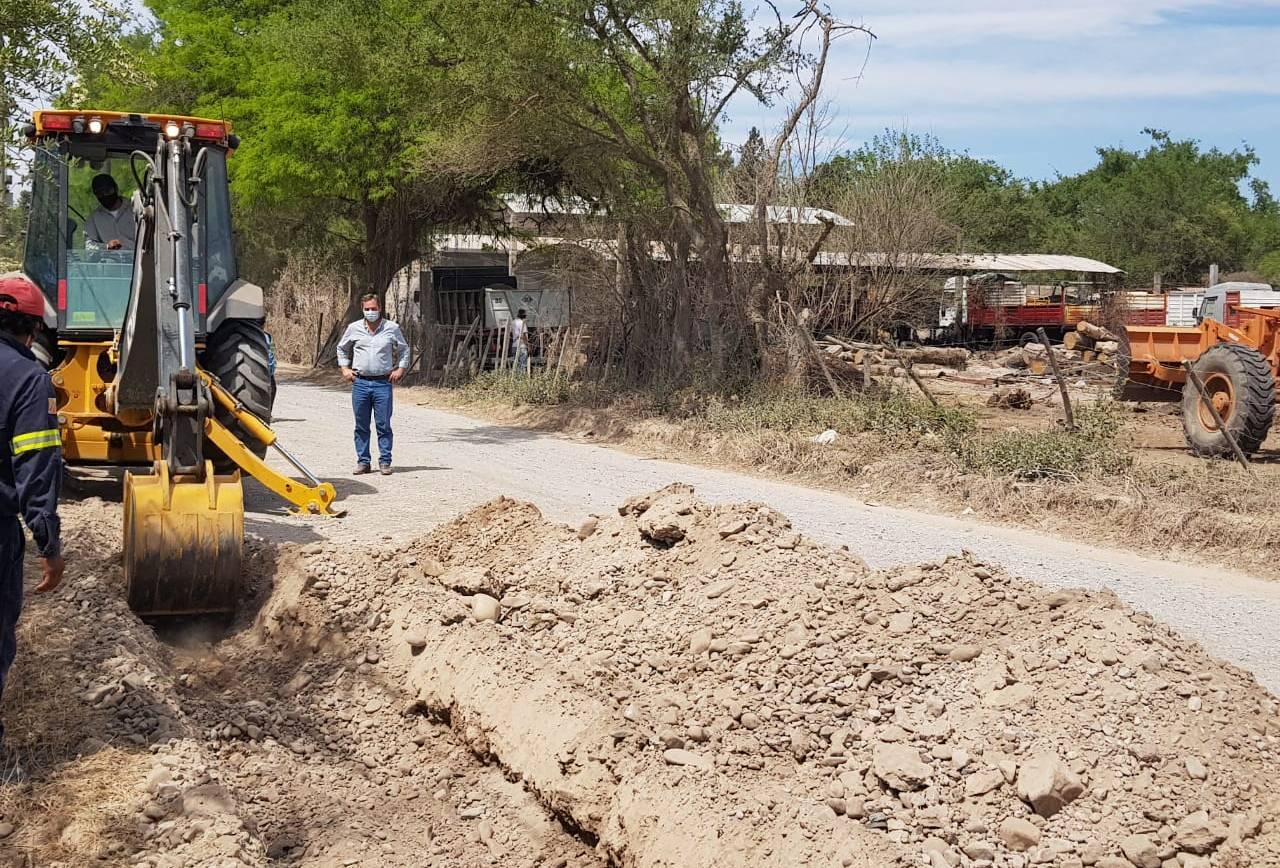 Inició la construcción del cordón cuneta en la calle Juan Carlos Dávalos