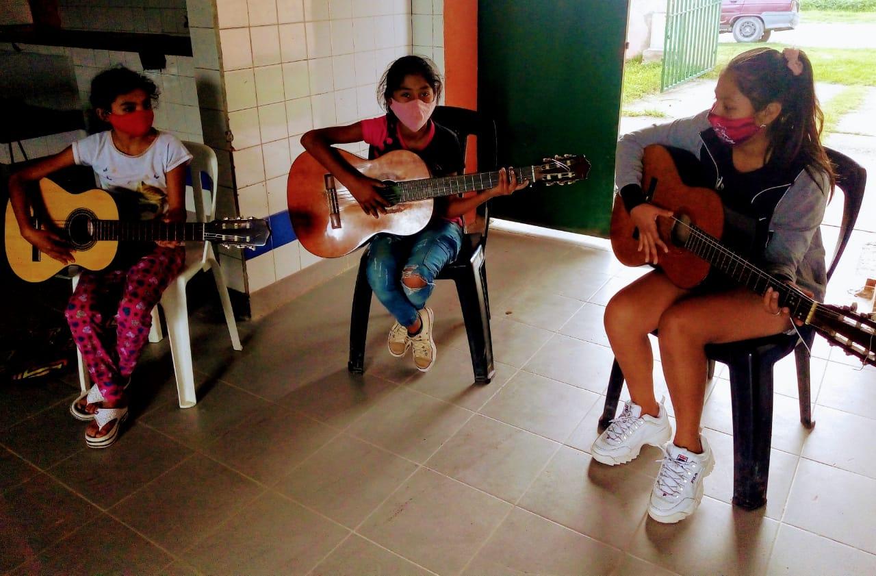 Iniciaron sus actividades los talleres de música y danza