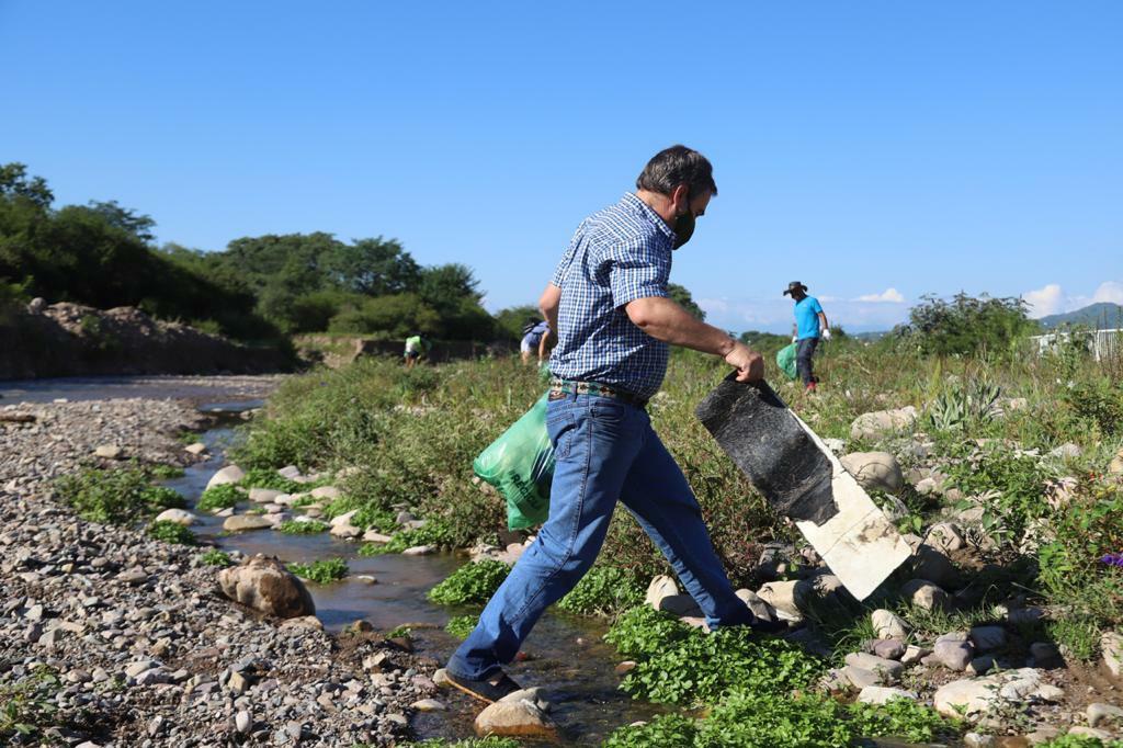 Jornada de limpieza en el río San Lorenzo