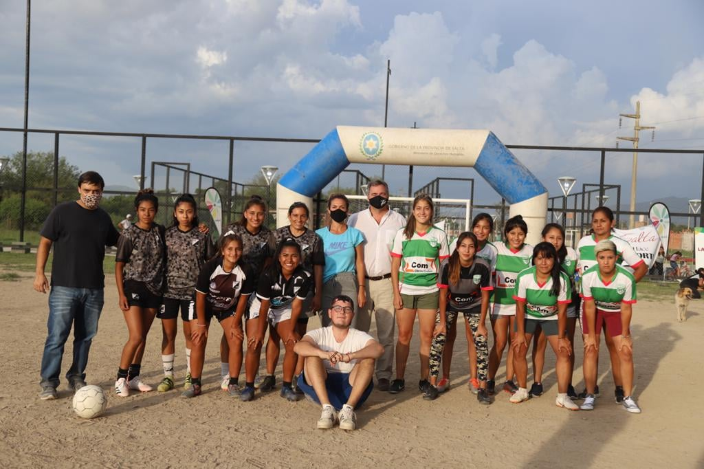 Encuentro deportivo en La Lonja