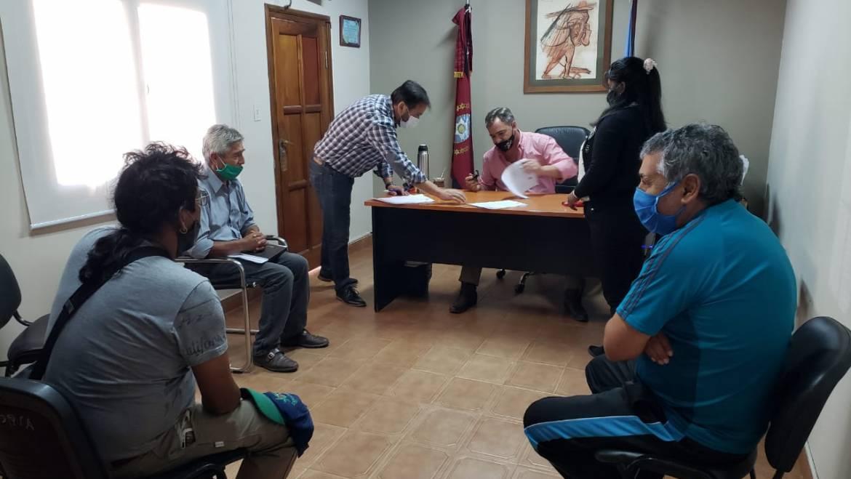 El municipio acordó un aumento salarial con referentes gremiales